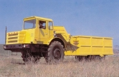 Self-propelled roller MoAZ-64428